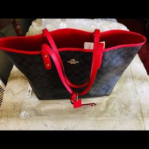 Coach tote reversible Deep Brown and Red.